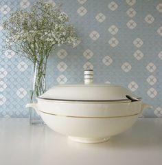 Vintage 1930s Societe Ceramique Maastricht Blue and Gold Tureen or Serving Dish door Vantoen op Etsy