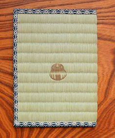 畳素材のブックカバー♪畳のい草の香りにも癒されて穏やかな読書タイムに❤︎手作りのブックカバーアイデア♪