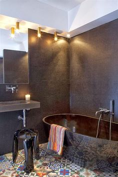 cool basement apartment with gorgeous urban design Amazing Basement Apartment With Gorgeous Urban Design And Style interior design ide. Brown Bathroom, Laundry In Bathroom, Small Bathroom, Bathroom Modern, Downstairs Bathroom, Bad Inspiration, Bathroom Inspiration, Bathroom Ideas, Bathroom Designs