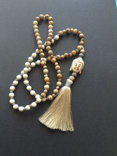 Le chouchou de ma boutique https://www.etsy.com/fr/listing/266231922/long-collier-style-mala-en-perles-semi