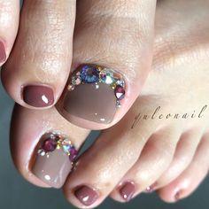 フット - in 2020 Swarovski Nails, Rhinestone Nails, Bling Nails, Swag Nails, My Nails, Pedicure Designs, Pedicure Nail Art, Toe Nail Designs, Toe Nail Art