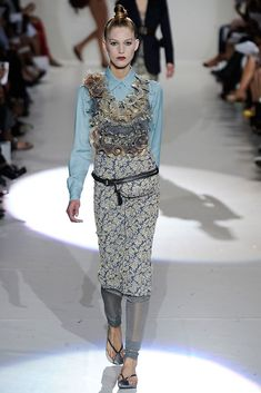 Marc Jacobs Spring 2010 Ready-to-Wear Fashion Show - Iselin Steiro