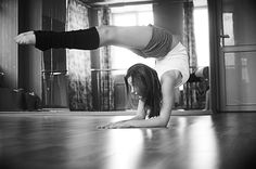 Beautiful Photos of Ballet Yoga Inspiration, Fitness Inspiration, Motivation Inspiration, Fitness Motivation, Motivation Wall, Fitness Quotes, Stress, Dance Photography, Fitness Photography