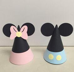 Sombreros de fiesta de Baby Mickey y Minnie por PerfectlyBoutique