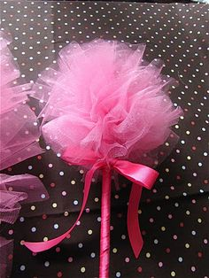 DIY fairy wand for the flower girl(s). The Modest Homestead: Tulle Fairy Wand {Tutorial} Tulle Projects, Tulle Crafts, Kids Crafts, Diy And Crafts, Princess Tea Party, Princess Wands, Tutu Party, Diy Wand, Fairy Wands