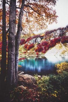 http://blog.avisiblesignofmyown.com/post/105450281333/autumn-rainbow