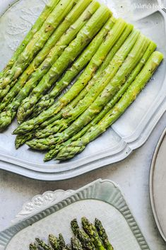 SPARANGHEL GĂTIT ÎN 3 MODURI | Rețetă + Video – Valerie's Food Asparagus, Cooking Recipes, Vegetables, Breakfast, Food, Green, Fine Dining, Morning Coffee, Meal