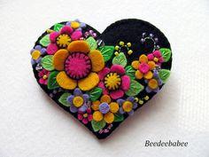 Felt Heart Pin / Felt Heart Brooch by Beedeebabee on Etsy        Paulette is one of the most talented artists I have seen.