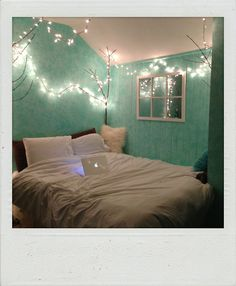 Mint Green Room mint, watery blue/green walls, grey accents, comfy bed,i like the