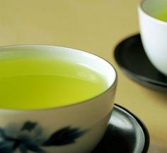 I love green tea.    私は緑茶が大好きだ。
