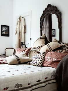 Home of fashion designer Michala Wiesneck, I love this bright and luxurious bohemian style