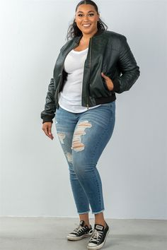 Women's casual fall winter fashion style jackets plus size fully lined peacock pleather bomber jacket Curvy Girl Outfits, Plus Size Outfits, Plus Size Fashion For Women, Plus Size Women, Winter Mode, Fall Winter, Cozy Winter, Looks Plus Size, Plus Size Style
