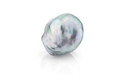 Rare Overtone Barqoue South Sea pearl from the Daniel Moesker Pearls collection