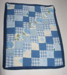 Tus Miniaturas - making a patchwork quilt