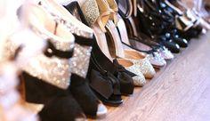 Si eres una chica con gran gusto por comprar zapatos y ya tu armario está repleto de tus compras excesivas, necesitas darle un orden rápido para evitar u