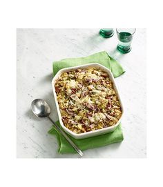 This cheesy hash is a great new way to enjoy a classic. Recipe: Baked Corned Beef and Cabbage Hash Irish Recipes, Beef Recipes, Cooking Recipes, Recipies, Yummy Recipes, Dinner Recipes, Cooking Stuff, Cabbage Recipes, Potluck Recipes