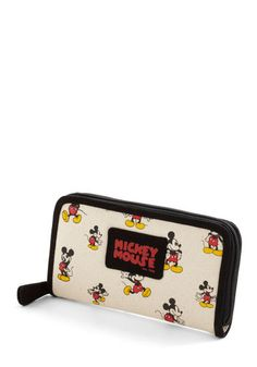 #vegan mickey mouse purse. I want this.