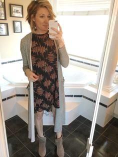 #LuLaRoeCarly #LuLaRoeSarah #StyledLooks #MomBlogger #ToWitToWoo
