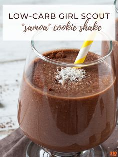 """Recreate the iconic Girl Scout cookie while supporting your low-carb lifestyle with this mouthwatering Low-Carb Girl Scout """"Samoa"""" Cookie Shake! Each sip is an explosion of flavor from nutritious whole food ingredients to support optimal health. High Protein Smoothies, Protein Smoothie Recipes, Good Smoothies, Fruit Smoothies, Protein Shakes, Superfood, Flaxseed Smoothie, Smoothie Challenge, Raspberry Smoothie"""