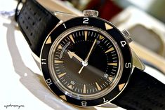 Hands on with the Jaeger LeCoultre Memovox Tribute to Deep Sea - Monochrome Watches