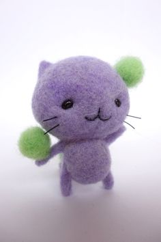 wool felt cat  I need to make these little guys for Kara