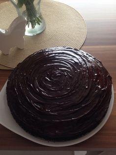 Tiefschwarzer Schokoladenkuchen, ein gutes Rezept aus der Kategorie Backen. Bewertungen: 17. Durchschnitt: Ø 4,5.