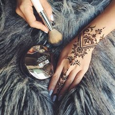 One of the most popular henna design from Veronicalilu