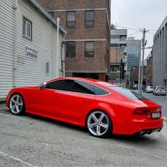 Audi customisée et rabaissée - Autos Online Audi A7, Audi Quattro, Audi Sport, Lamborghini, Maserati, New Sports Cars, Sport Cars, Mercedes Benz, Carros Audi