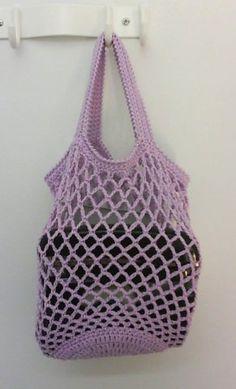 Käsistä karannut: Virkattu verkkokassi Free Crochet, Knit Crochet, Diy Crafts For School, Crochet Purses, Crochet Bags, Knitted Slippers, Market Bag, Crochet Patterns, Hello Kitty