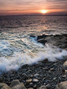 #Finistere #Bretagne #Combrit #myfinistere : marée haute, le soir, pointe de Sainte-Marine (8 photos) © Paul Kerrien  http://toilapol.net