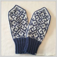 Ravelry: Project Gallery for Friendship Mitten pattern by Snowy Woods Knits Mittens Pattern, Knit Mittens, Mitten Gloves, Girls Holding Hands, Snowy Woods, Hand Symbols, College Fashion, Wow Products, Most Beautiful Pictures
