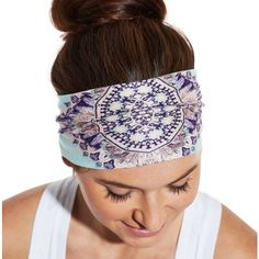 Diversify your headwear options with the CALIA™ by Carrie Underwood Women's Wide Knit Headband. Lightweight knit material offers comfortable feel with every wear, while stretch construction creates a snug and in-place fit. This band can be worn wide and flat or scrunched up for a versatile style. Keep your look and hair in check with fashionable flair when you step out in the CALIA™ Wide Knit Headband.
