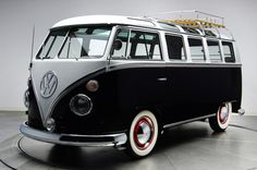 1963 VW 21 Window Deluxe Samba Bus