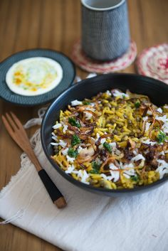 Mujaddara (Riz à la Libanaise) Healthy Recipes On A Budget, Healthy Breakfast Recipes, Budget Meals, Veggie Recipes, Vegetarian Recipes, Cooking Recipes, Healthy Lunches, Healthy Eating, Ottolenghi Recipes