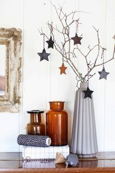 Christmas decorations in the Scandinavian style – 46 ideas how to decorate the home for Christmas - Home Page Scandinavian Christmas Ornaments, Christmas Branches, Modern Christmas, Christmas Home, Christmas Crafts, Merry Christmas, Xmas, Christmas Holidays, Christmas Centerpieces
