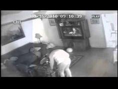 Baby sitter picchia e abusa bambino, video - Spettegolando