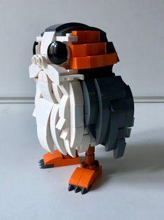 Custom LEGO Porg MOC by Tron of Black from Eurobricks Lego Creationary, Lego Craft, Lego Toys, Legos, Minecraft Creations, Cool Lego Creations, Lego Star Wars, Brick Show, Lego Dragon