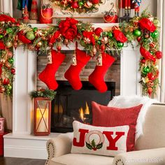 If you're going for nostalgic Noel, you can't go wrong with a vibrant mixture of classic Christmas colors! And if you really want to up the festive factor, throw in some cheerful nutcrackers! Diy Christmas Fireplace, Christmas Mantels, Christmas Scenes, Christmas Colors, All Things Christmas, Christmas Home, Christmas Holidays, Christmas Candy, Handprint Christmas Tree