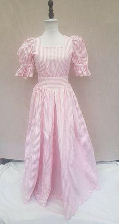 Laura Ashley Clothing, Laura Ashley Vintage Dress, Laura Ashley Fashion, Blue Tea Dresses, Polka Dot Summer Dresses, Vintage Style Dresses, Vintage Clothing, Vintage Outfits, Contemporary Clothing