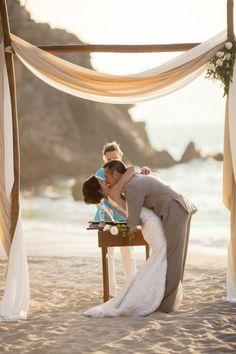 Pin by Beach Wedding Guide on Beach Wedding Ceremony Ideas Simple Beach Wedding, Budget Wedding, Destination Wedding, Dream Wedding, Wedding Day, Casual Wedding, Summer Wedding, Wedding Themes, Trendy Wedding