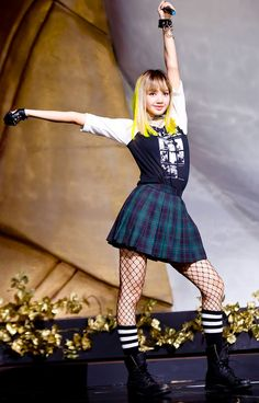 BLACKPINK Lisa and a theowback to their first song Boonbayah I remember when I was getting into kpop they had just came out with this and they were the first girl group and my fave Blackpink Lisa, Jennie Lisa, Kpop Fashion, Star Fashion, Korean Fashion, Fashion Models, Moda Kpop, Stage Outfits, Kpop Outfits
