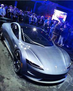 "Tesla Motorsports en Instagram: ""Ok ok ONNNNE MORE But before you go to bed... Just remember, 0-60 in 1.9 seconds. : @hahmid"""