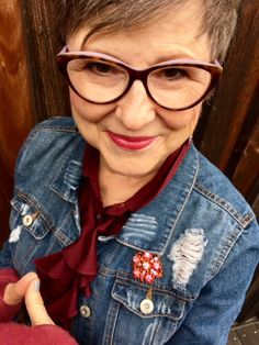 The power of the third piece to finish an outfit - Brenda Kinsel Over 50 Womens Fashion, Fashion Over 50, Fashion Tips, Fashion Trends, Women's Fashion, Fashion Ideas, Winter Fashion, Fashion Courses, Simple Shoes