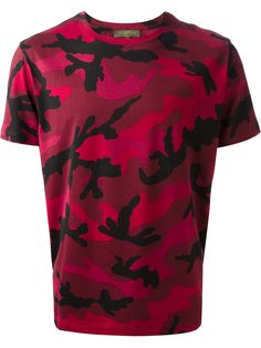 valentino-red-camouflage-t-shirt-product-1-21347091-4-946175173-normal.jpeg (1000×1334)