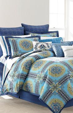 Pretty bedding in blue http://rstyle.me/n/jfkz9nyg6