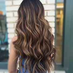 """BRUNETTE BARBIE!! 22"""" individual extensions and color for this babe #allyshawatkinshair"""