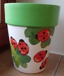 decoupage flowerpots from janaen: ladybug - Claypot Handwerk - Vase ideen Flower Pot Art, Flower Pot Design, Clay Flower Pots, Flower Pot Crafts, Painted Plant Pots, Painted Flower Pots, Painting Terracotta Pots, Painting Clay Pots, Painted Pebbles