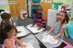 Add Cookie Sheet instead of just using table to keep it more contained - never thought of that! Using Shaving Cream to reinforce letter formation, letter identification, letter sounds, and sensory stimulation. A student favorite! Kindergarten Language Arts, Classroom Language, Kindergarten Literacy, Emergent Literacy, Alphabet Activities, Sensory Activities, September Preschool, Letter Identification, Teacher Tools