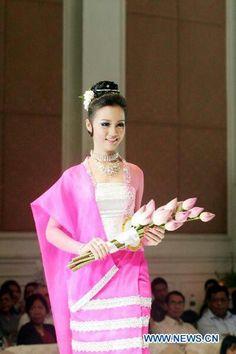 love this dress pink Myanmar Dress Design, Burma Myanmar, Thai Dress, Burmese, Costumes For Women, Traditional Dresses, Special Day, Asian Beauty, Designer Dresses