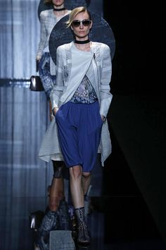 A ideia de Giorgio Armani pra essa primavera-verão 2017 apresentada na Semana de Moda de... Mais